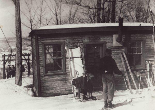 Cabane Patrouilleurs, c. 1950, St-Sauveur